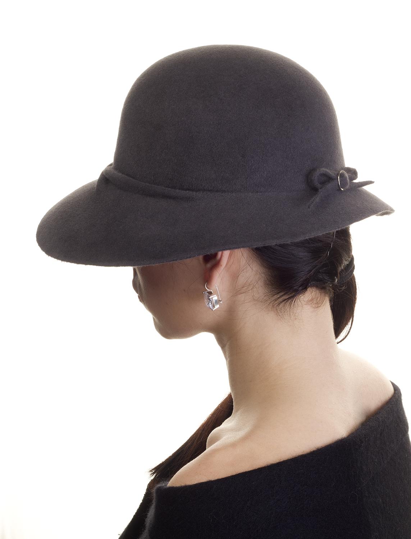 Šedivý klobouk