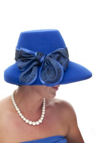 Modrý klobouk