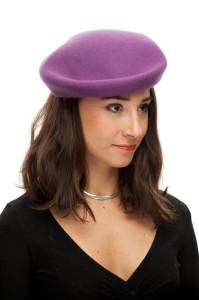 Fialový baret