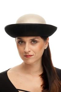 Černobílý klobouk